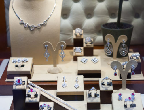 Beginner's Guide: How to Choose a Diamond